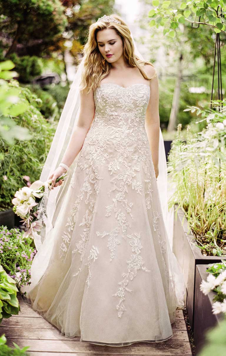 Remarkable 2Life Our Favorite Designers For Plus Size Brides Short Hairstyles Gunalazisus