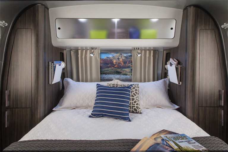 Airstream-28-International-Bedroom-2