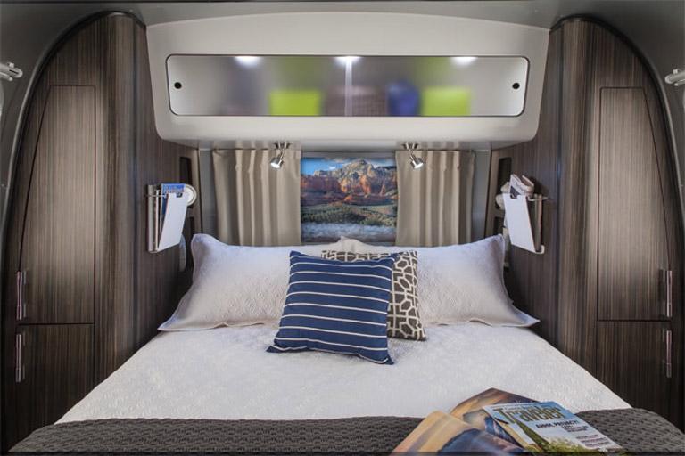Airstream-28-International-Bedroom-2